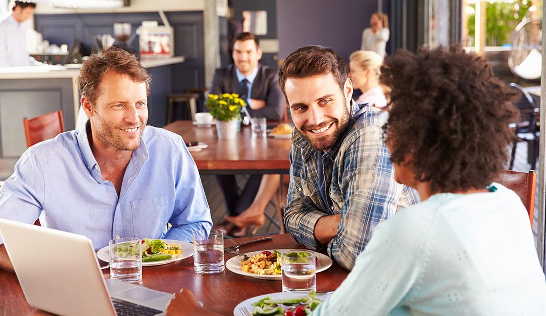 Bisogna prepararsi prima degli aperitivi in lingua?